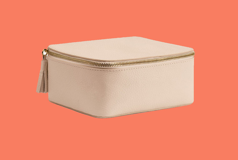 This Travel Jewelry Case Will Eliminate Tangled Necklaces in Your Suitcase (and Make Packing Way Easier)