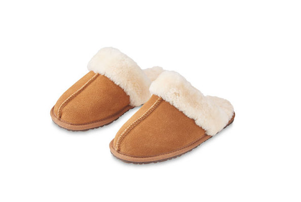 Here's How to Get Aldi's Wildly Popular UK Slippers in the U.S.—for Just $7