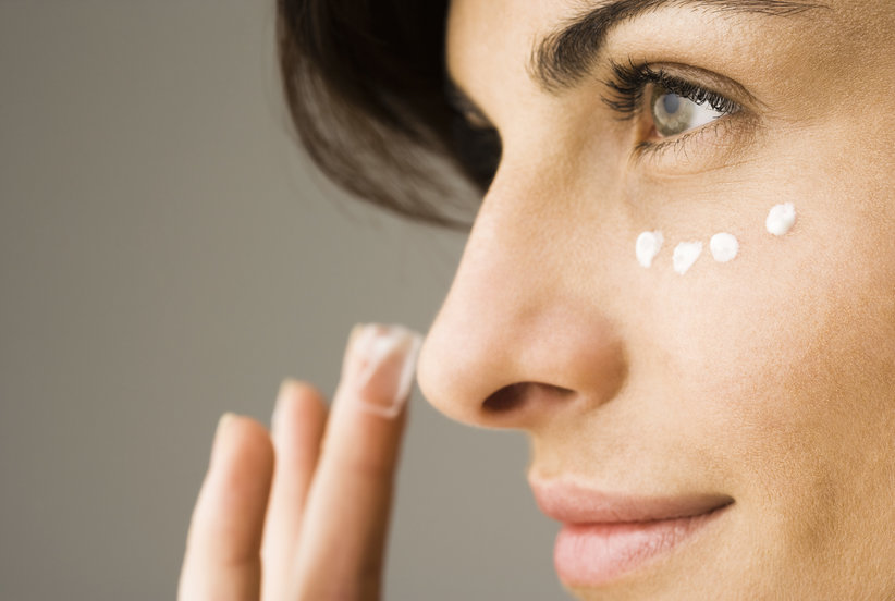 The Biggest Mistake You're Making With Concealer, According to a Professional Makeup Artist