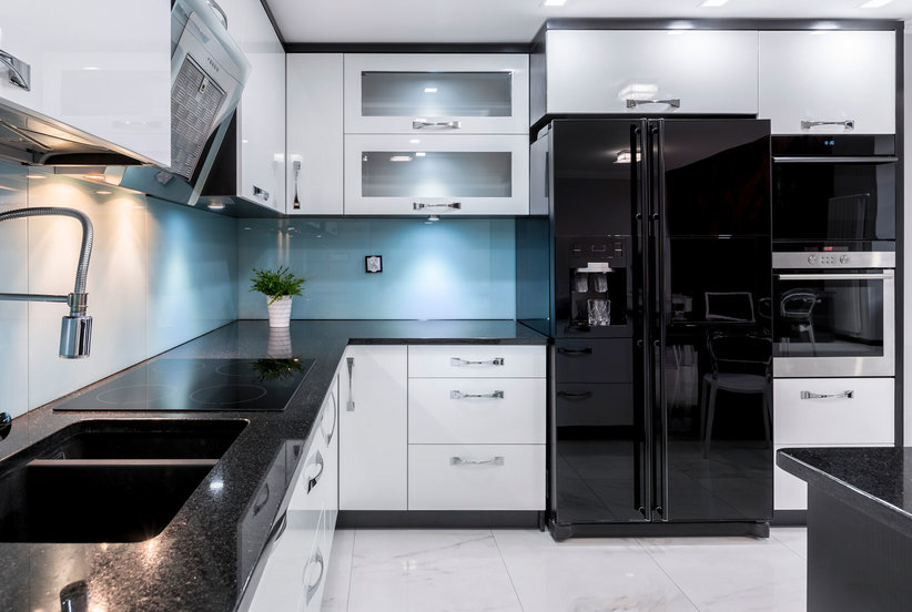 what color kitchen appliances are in style black stainless steel appliances are the kitchen trend 9835