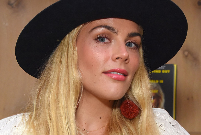 Busy Philipps's Sunburned Eyes Sent Her to the ER—Could It Happen to You?
