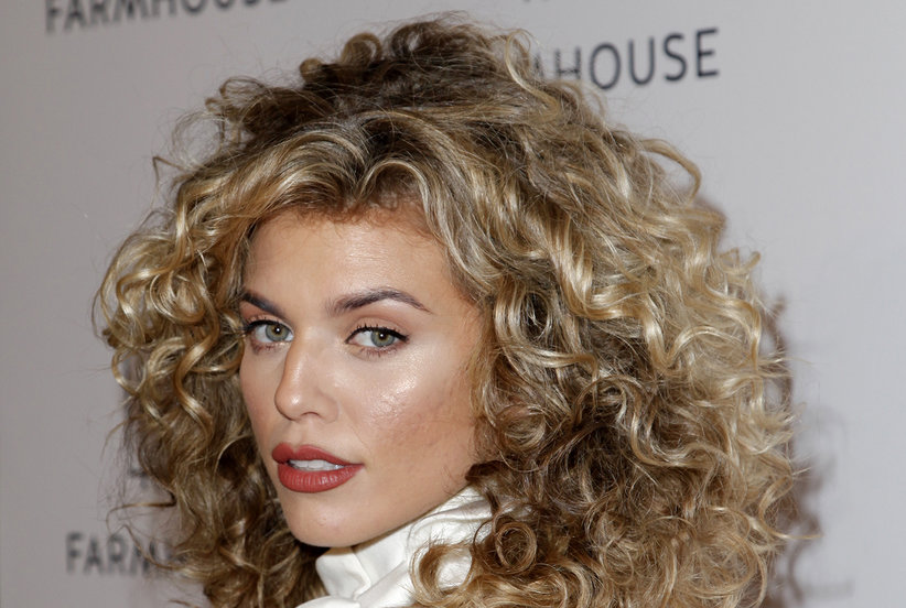 The Best Curly Hair Highlights to Try Now