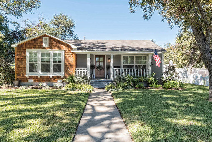 This Adorable Cottage From Fixer Upper Is on the Market Right Now—And It's a Total Steal