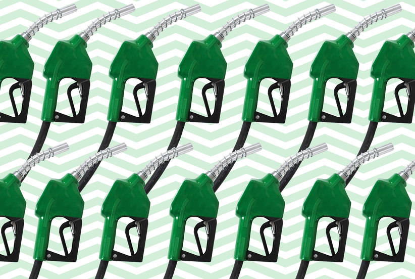 The Best Days to Buy Gas for Less Money(and No Lines At the Pump)
