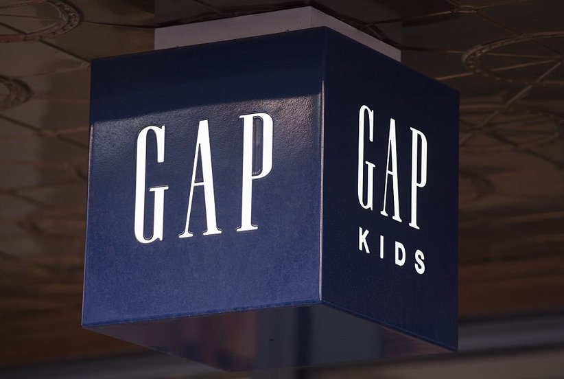 Find the Perfect Holiday Dress (and More!) During Gap's 2017 Black Friday Sale