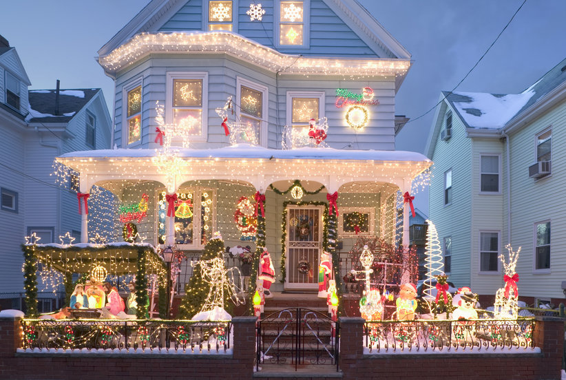 How to Hang Holiday Lights in One Day