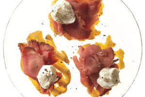 Roast beef and horseradish canapes recipe real simple for Roast beef canape