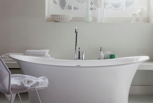 Calm waters 15 great bathroom design ideas real simple for Real simple bathroom ideas