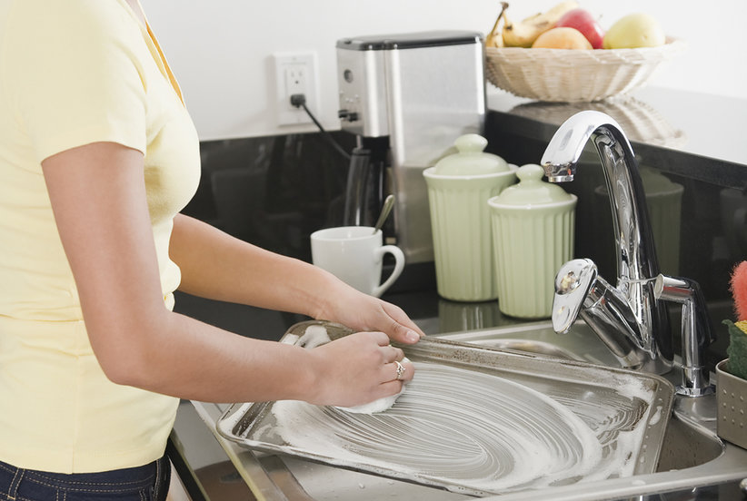 The Sneaky Way I Learned To Love Washing Dishes  Real Simple-1181