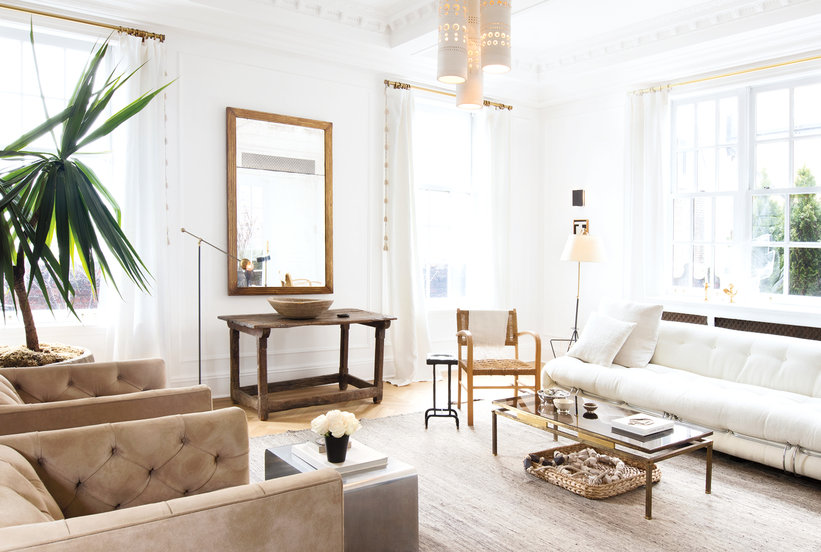 How to Arrange Your Living Room for a Pretty and Practical Space