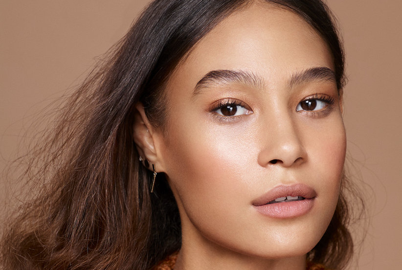 How to Apply Bronzer and Highlighter for a Perfect Glow