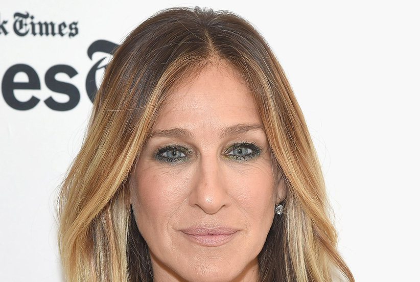 Sarah Jessica Parker Made Her Love for This Knitted Wrap Instagram Official