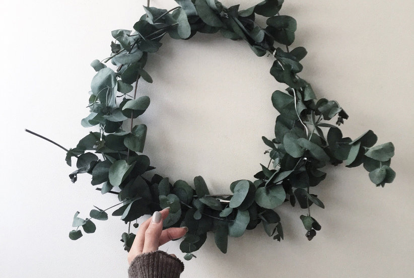 11 Clever Holiday Decorating Ideas for Small Spaces