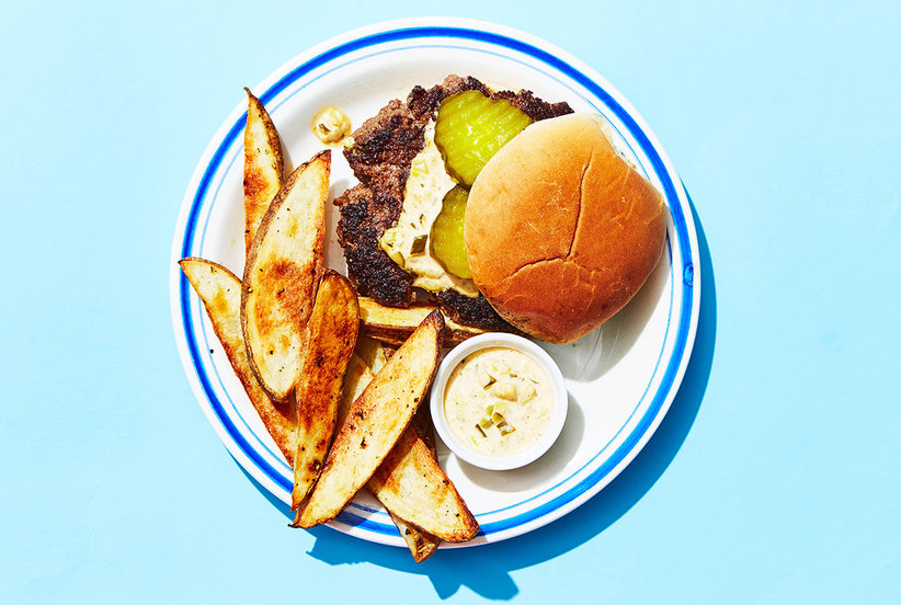 Making a Perfectly Juicy Takeout-Worthy Burger at Home Is Easier Than You Think