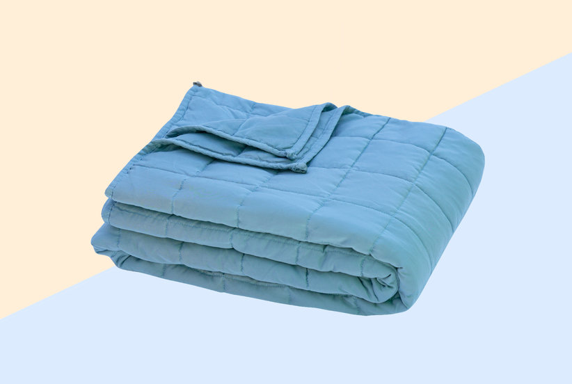 If You've Ever Wanted to Try a Weighted Blanket, Now's Your Chance to Get One for 40% Off
