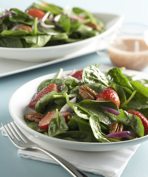 berry-spinach-salad
