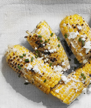 grilled-corn-cob-feta-chives