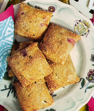 strawberry-thyme-hand-pies