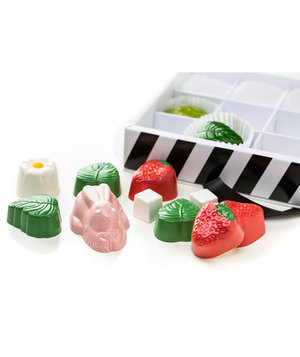 strawberry-patch-chocolate-box