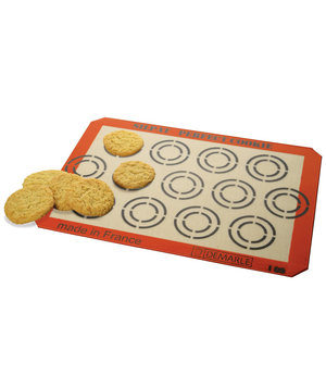 silpat-perfect-cookie-baking-sheet