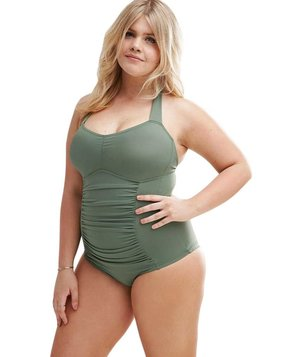 6 Stylish Swimsuits for Full-Figured Women | Real Simple