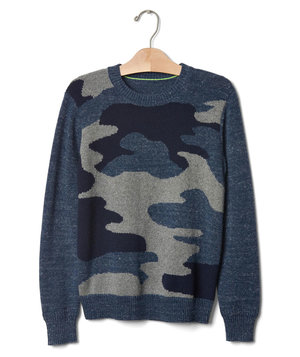 gap-instasia-graphic-crew-sweater