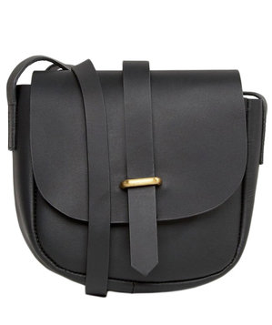 leather-saddle-bag