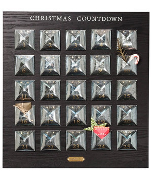 advent-calendar-galvanized-envelopes