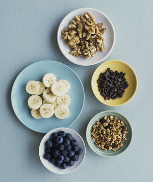 cereal-banana-walnuts-blueberries-chocolate-chips