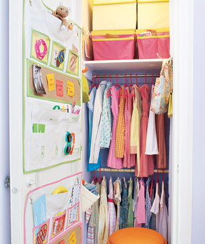 closet-child-decorate-organize