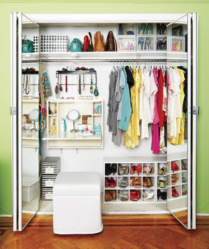 clothes-organized-closet