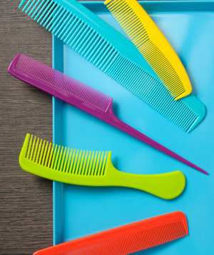 colorful-combs-blue-tray