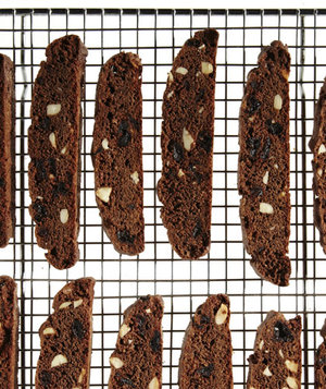 chocolate-cherry-biscotti
