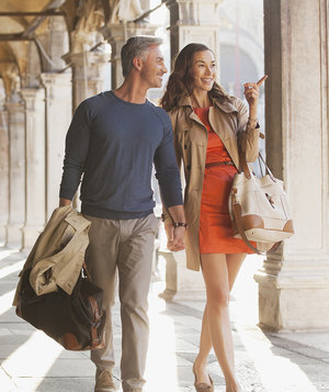 couple-vacationing-tips