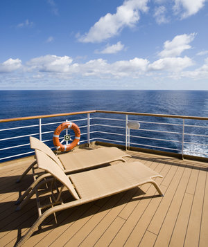 deck-chairs-cruise-ship