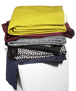 stack-folded-pants