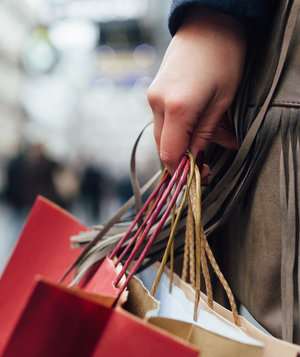 holiday-shopping-bags