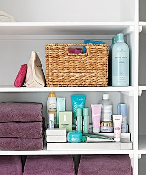Give Bathroom Shelves An Organized Look By Grouping Together Like Colored Towels 22 Ways To