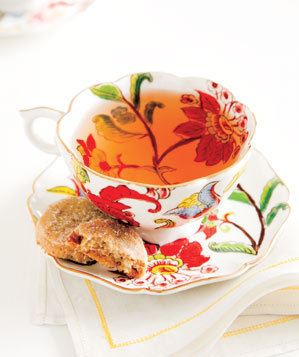 flower-tea-cup-cookies-white-napkin