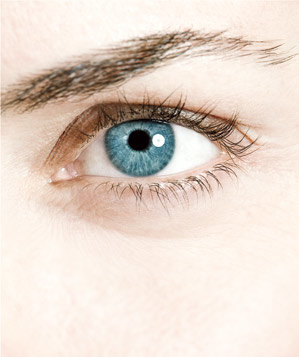 blue-eye-close-up