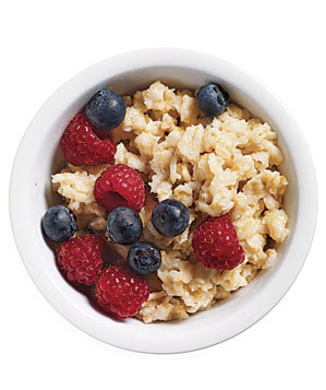 plain-oatmeal-fresh-berries