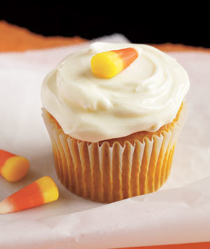 pumpkin-cupcakes-cream-cheese-frosting