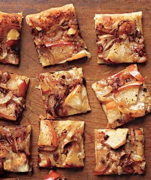 caramelized-onion-tarts-with-apples