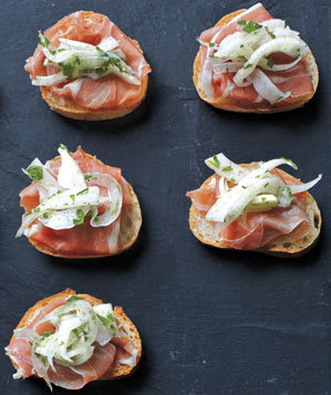 Update a stalwart 11 make ahead hors d 39 oeuvres recipes for Canape hors d oeuvres difference