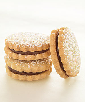 chocolate-hazelnut-sandwiches