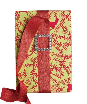 gift-wrapped-green-red-paper