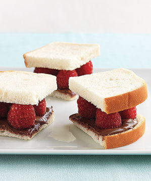 nutella-raspberry-sandwiches