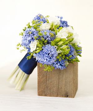 blue-hyacinth-boquet