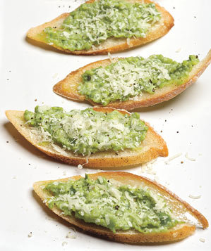 sweat-pea-ricotta-crostini