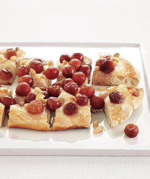 grape-pine-nut-dessert-focaccia
